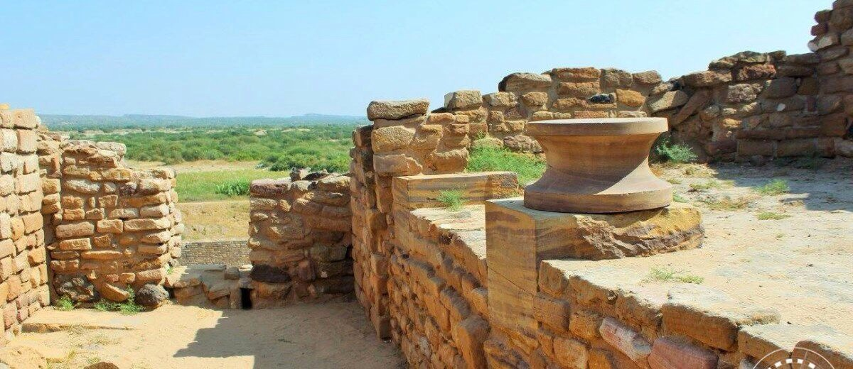 A Walk Through Dholavira : Indus Valley Sites